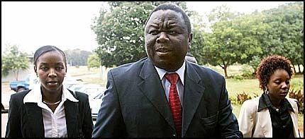 - SKAMSLÅTT: Leder for Zimbabwes opposisjonsparti Movement for Democratic Change (MDC), Morgan Tsvangirai, skal ha blitt banket opp av politiet. Foto: AP