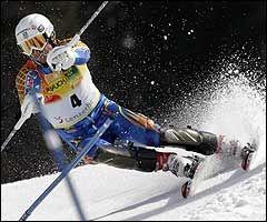 Markus Larsson i slalåmrennet. Foto: AFP