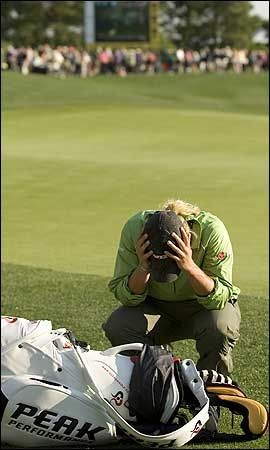PREGET: Tutta trengte noen sekunder for seg selv etter den fantastiske triumfen. Foto: AFP
