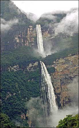 VERDENS LENGSTE? Forskere i Brasil hevder Amazonas nå er verdens største - både i volum og lengde. Foto: EPA