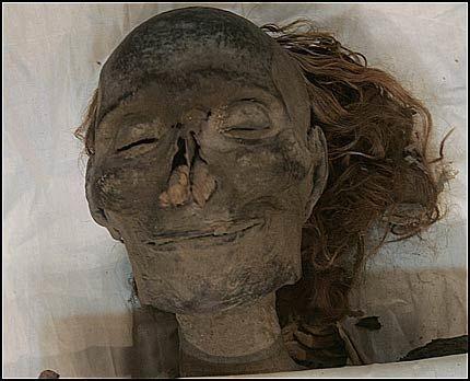 Egyptologer mener å ha identifisert den 3.000 år gamle mumien til dronning Hatshepsut. Foto: REUTERS
