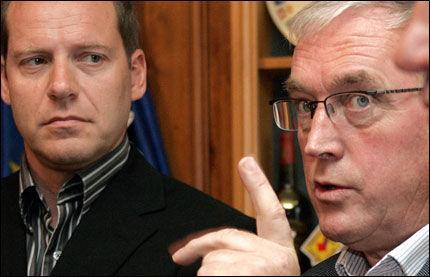 IKKE VELDIG GODE VENNER: UCI-sjef Pat McQuaid (t.h.) og Tour de France-sjef Christian Prudhomme. Foto: AFP
