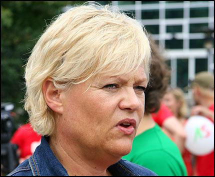 SV-LEDER: Kristin Halvorsen mener det finnes mer diskriminering i det norske samfunnet enn det nordmenn liker å vite om. Foto: STIAN EISENTRÄGER