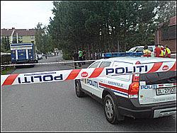 KALBAKKEN: Politiet er til stede på Kalbakken der to personer ble skutt. Foto: Francis Lundh
