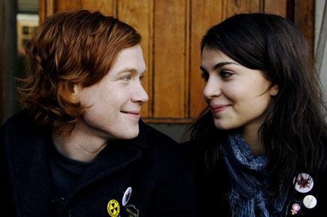 FRA FILMEN: Jarle (Rolf Kristian Larsen) og Kathrine (Ida Elise Broch) i «Mannen som elsket Yngve» Foto: Sandrew Metronome AS.