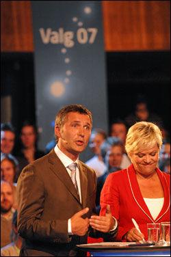 BLE IRRITERT: Ap-leder Jens Stoltenberg ble tydelig irritert over angrepene fra Erna Solberg. Foto: SCANPIX