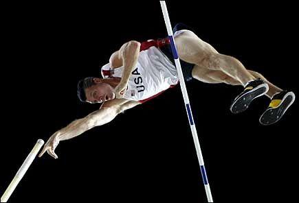 STAVGULL: Brad Walker vant stavkonkurransen med 5,86. Foto: EPA