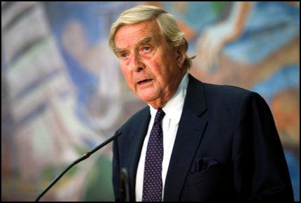 AVSLØRT: Etter avsløringen av tidligere Oslo-ordfører Per Ditlev-Simonsens hemmelige bankkontoer i Sveits har henvendelsene fra angrende syndere blitt mangedoblet. Foto: ESPEN BRAATA
