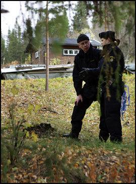 BJØRN? Politiet fant bjørnemøkk utenfor mannens hytte. Foto: Östersundsavis