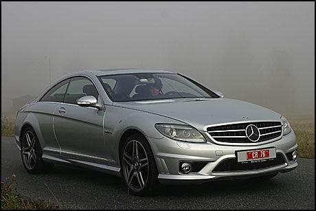 SIKKER: Sikkerhetsivået i CL63 AMG er høyt. Blant annet bremser bilen selv dersom avstanden til forankjørende er for liten. Foto: Hanne Hattrem