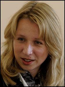 SELVKRITIKK: Statssekretær Astri Aas-Hansen innrømmer at justisdepartementet burde reagert tidligere. Foto: Roger Neumann
