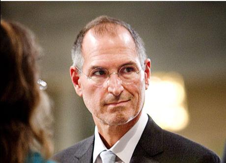 FIKK MED UTDELINGEN: Apple-sjef Steve Jobs var i Oslo og overvar utdelingen av Nobels fredspris, som gikk til styremedlem Al Gore i Apple. Foto: Markus Aarstad