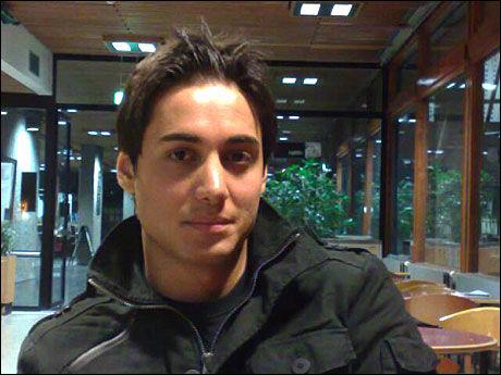TORTUROFFER: Iranske Kianosh Sanjari (25) har vært fengslet sju ganger for sitt engasjement for grunnleggende menneskerettigheter i Iran. Foto: STIAN EISENTRÄGER