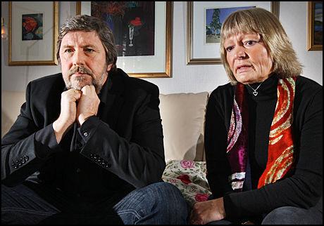 SLÅR ALARM: Annie og Stein Erik Ulvund forteller om de vonde årene da deres sønn var elev ved Steinerskolen. Foto: Frode Hansen