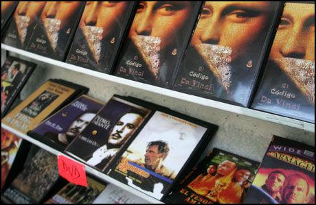 TILTAK MOT ULOVLIG DELING: Den britiske regjeringen går til kamp mot ulovlig nedlasting av film og musikk. Foto: Reuters