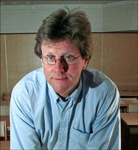 Tar avstand: Professor i pedagogikk, Peder Haug. Foto: Rolf Jarle Ødegaard