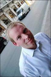 REAGERER OGSÅ: Bystyremedlem i Oslo og leder av APs homonettverk, Håkon Haugli. Foto: Bjørn Lecomte