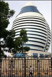 KADHAFIS EGG: Libyas leder, Oberst Kadhafi, har finansiert dette hotellet i Sudans hovedstad Khartoum. Foto: EPA