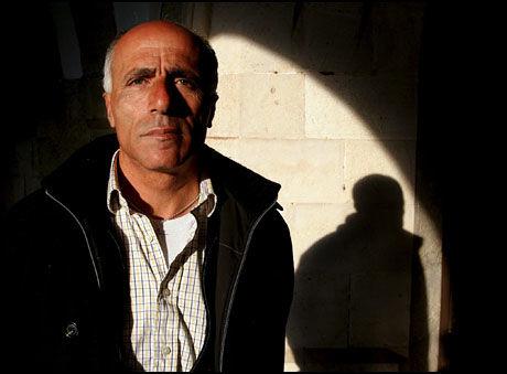 SENDER NY SØKNAD: Mordechai Vanunu håper nå at Norge vil angre og omgjøre avslaget på asylsøknaden hans. Foto: EPA