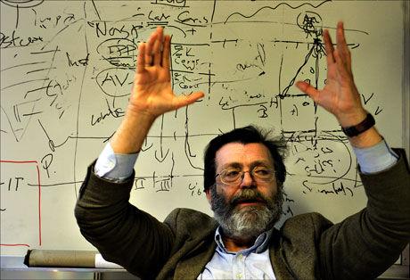 RYSTET: Professor Frank Aarebrot mener Frp oppfordrer til angiveri. Foto: Scanpix