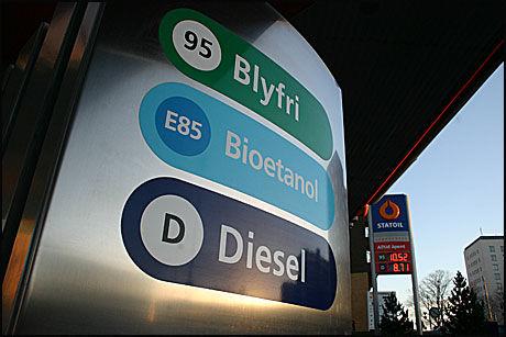 KAN ØKE: Årsavgiften for de som kjøper diesel kan øke. Foto: Hanne Hattrem