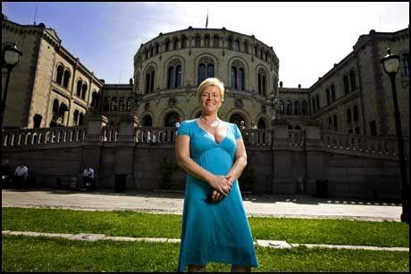 GIR FULL GASS: Frp-formann Siv Jensen. Foto: EIVIND GRIFFITH BRÆNDE