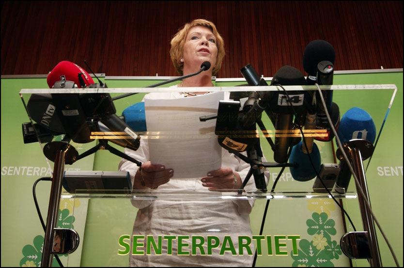 GA SEG: Åslaug Haga trakk seg som senterpartileder og Olje- og energiminister i juni. Nå er partiet hennes under sperregrensa. Foto: Scanpix