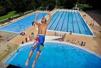Ti svømmetimer på fire år