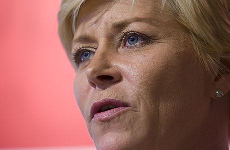 NY POLITIKK: Siv Jensen går inn for en ny midtøstenpolitikk hvis hun blir statsminister. Foto: Scanpix