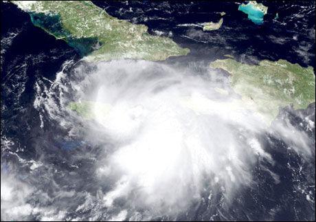 PÅ VEI MOT NEW ORLEANS: Etter å ha truffet Jamaica er nå orkanen Gustav på vei mot New Orleans. Foto: AFP