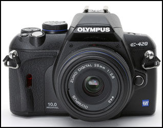 OLYMPUS E-420: Olympus har fått god omtale av sine digitale spielreflekskameraer. Foto: Olympus