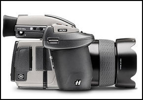 STORT KAMERA: Hasselblads H3DII-50 er et stort kamera som tar store bilder. Foto: Hasselblad