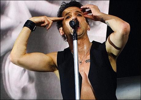 KOMMER TILBAKE: Depeche Mode - her på Quart-scenen i Kristiansand i 2006. Foto: Terje Bringedal