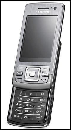 Denne smarttelefonen er laget for e-post og nettsurfing. Foto: Samsung