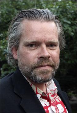 - FEIGINGER: Stig Sæterbakken trakk seg som kunstnerisk leder for Litteraturfestivalen etter at invitasjonen av David Irving ble trukket tilbake. Foto: Scanpix