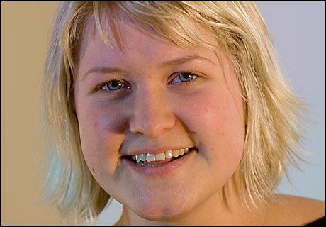 FORNØYD: Leder i Unge Venstre, Anne Solsvik, er glad for at landsmøtet i Venstre har gått inn for å behandle narkomane med heroin. Foto: Unge Venstre