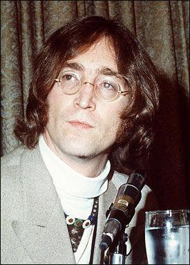 ORGEL: Hvis du vil sikre deg John Lennons orgel har du muligheten nå! Foto: AP Foto: