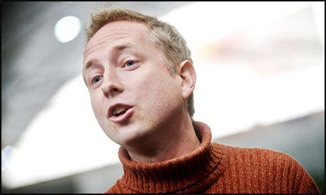 TENKER NYTT: Kunnskapsminister Bård Vegar Solhjell departement har kommet med et nytt og oppsiktsvekkende forslag knyttet til skolen. Foto: Scanpix