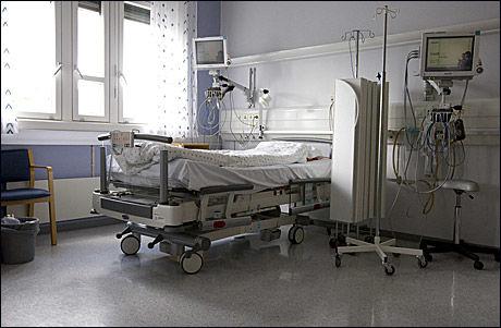 GRODDE FAST: Kvinnen nektet behandling, og ble liggende i sengen i flere år. 25.oktober måtte hun opereres løs fra madrassen. To uker senere døde hun. Foto: Illustrasjonsfoto, Scanpix