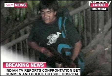 TERRORISTER: Her er det første bildet av det som skal være en av terroristene. Foto: AP