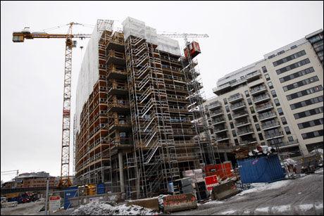 RAMMES: Byggebransjen er blant dem som rammes hardest av den stadig økende arbeidsledigheten. Foto: Scanpix