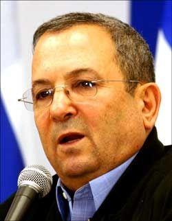 - DET VIL IKKE STOPPE: Israels forsvarsminister Ehud Barak erklærer krig mot Hamas. Foto: AFP