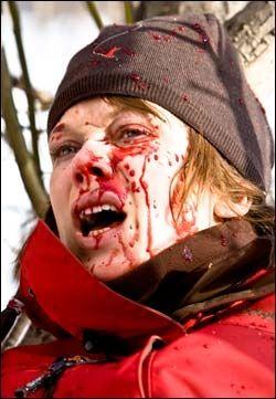 """STJERNETUNGT OG BLODIG: Ane Dahl Torp som Sara i """"Død snø"""". Foto: Euforia Film"""
