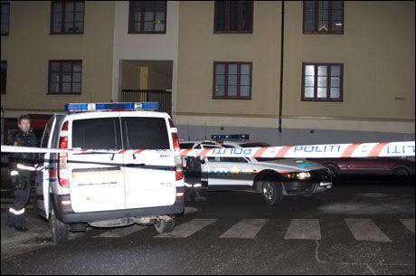 SKUDDVEKSLING: Politiet løsnet skudd mot to personer i Bjerregaardsgate på St. Hanshaugen i Oslo i morgentimene lørdag. Foto: Sindre Sæther Lilleby