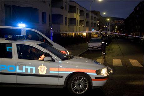 SKUTT: En person ble skutt av politiet etter at han skal ha truet dem med våpen. Foto: Scanpix