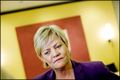 MÅ MOBILISERE: Finansminister Kristin Halvorsen er bekymret over den kommende eldrebølgen. Foto: