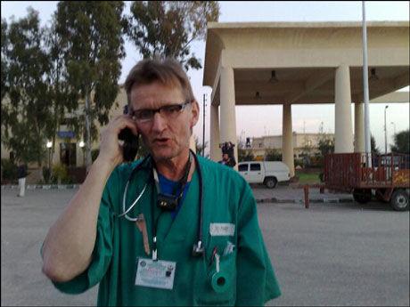 - INGEN ER TRYGGE: Mads Gilbert er ute av Gaza, etter å ha jobbet som lege på sykehuset i byen under de israelske angrepene. Han sier ingen er trygge i Gaza nå. Foto: Erlend Skevik
