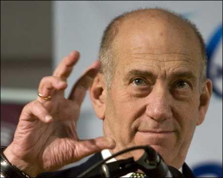 KLART FOR VÅPENHVILE: Statsminister Ehud Olmert erklærer nå at Israel vil gjennomføre en ensidig våpenhvile. Foto: Reuters