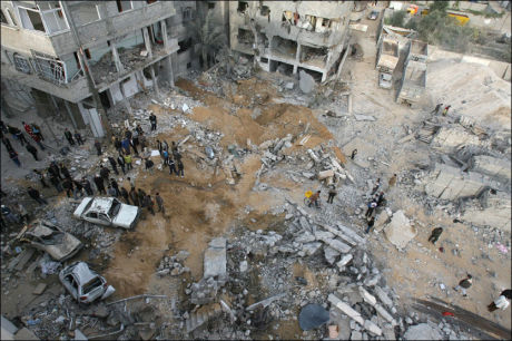 BOMBARDERT: Gaza by ble utsatt for daglige bombeangrep fra israelsk side.Ødeleggelsene var betydelige. Foto: AFP