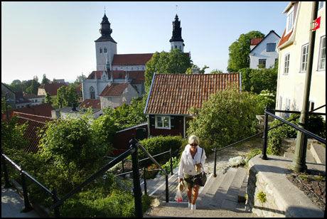 GOTLAND: Også denne sommeren flyr Widerøe norske turister til øya Gotland med trivelige Visby. Foto: JAN JOHANNESSEN